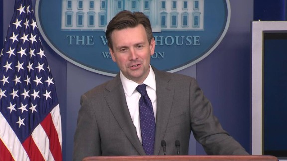 Cuba reporter White House press briefing Josh Earnest question_00043326.jpg