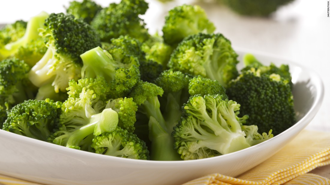 To keep its health benefits intact, steaming is the best cooking method for broccoli.