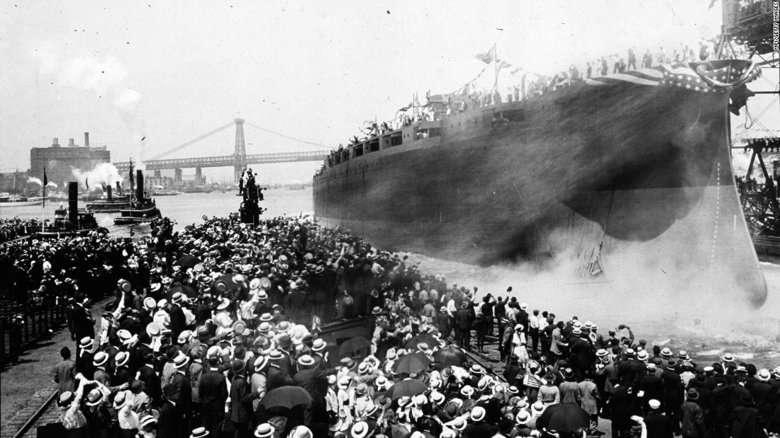 The USS Arizona launches in New York in June 1915.