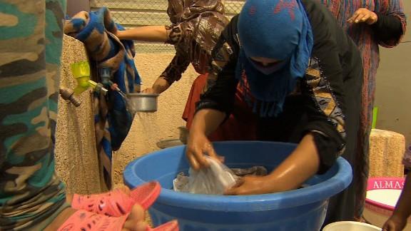 iraq isis anbar refugees damon pkg_00030008.jpg