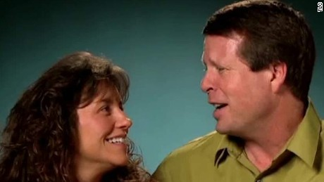 duggar 19 kids and counting scandal field pkg ctn_00005607.jpg