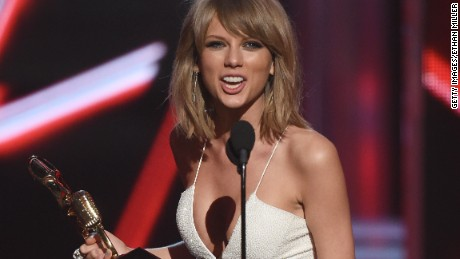 Taylor Swift forces Apple to pay up