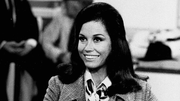 """Actress Mary Tyler Moore appears in character as Mary Richards in """"The Mary Tyler Moore Show""""  on August 1970."""