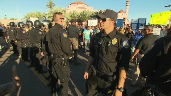 lok sidner phoenix islam protests_00010229.jpg