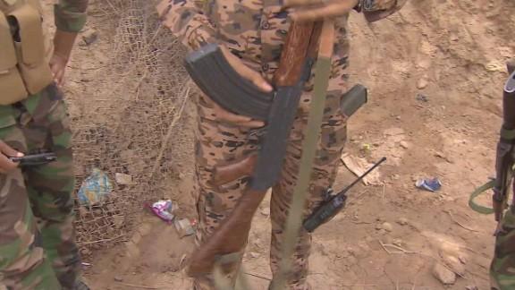 iraq sunnis battle isis pkg walsh_00004017.jpg