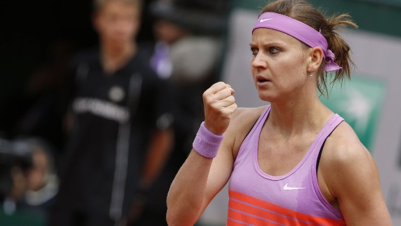 Even though Safarova had lost four in a row to Sharapova, the last three went to three sets. On Monday, the Czech finally managed to register a victory.
