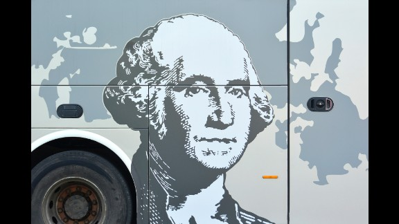 The first U.S. President, George Washington, was on one of the tour buses Holland photographed.