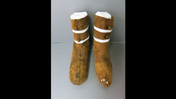 Leg warmers, or chausses, were also discovered in the coffin.