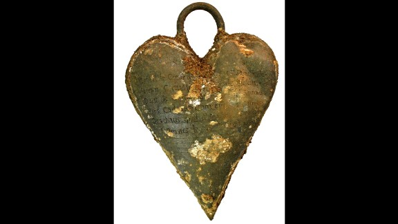 A lead reliquary in the shape of a heart was found nearby. It contained the heart of de Quengo's husband, who died in 1649.