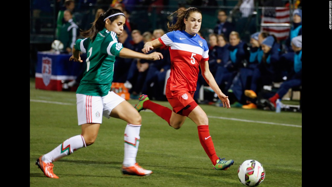 Kelley O'Hara, right, adds depth to the U.S. defense. The left back was one of three players who played every minute at the 2012 Olympics.