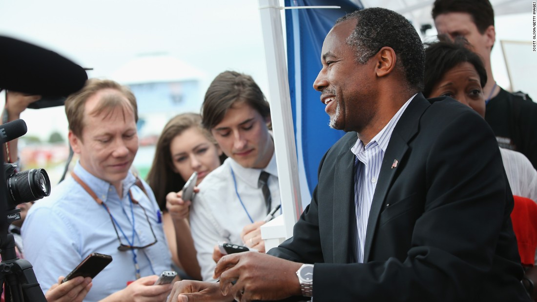 Presidential hopeful Dr. Ben Carson greets guests.