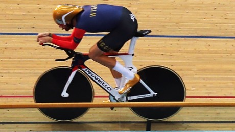 dd82443e4b2 Bradley Wiggins powered around the Olympic velodrome on June 7 to set a new  world record