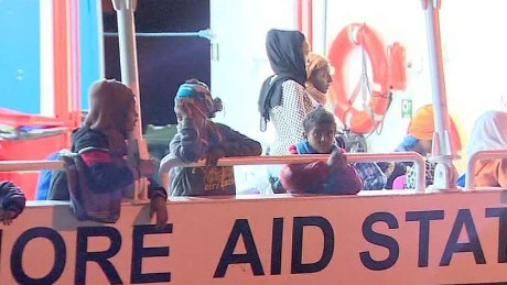 Thousands of migrants rescued this weekend