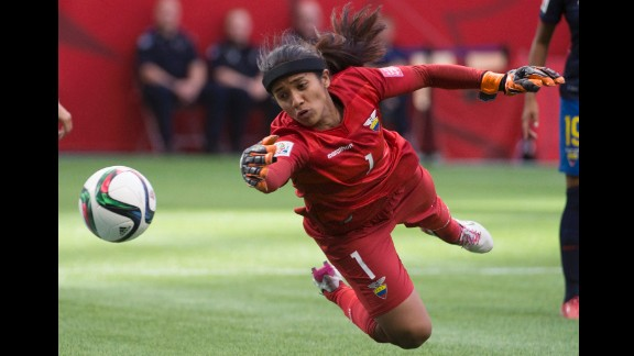 Ecuador goalkeeper Shirley Berruz makes a save during the second half.
