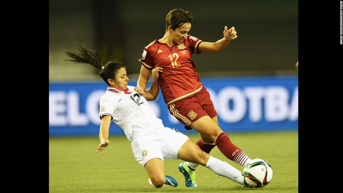 Marta Corredera of Spain is challenged by Lixy Rodriguez of Costa Rica.