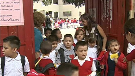 cnnee act rey teacher portest mexico act education _00032626