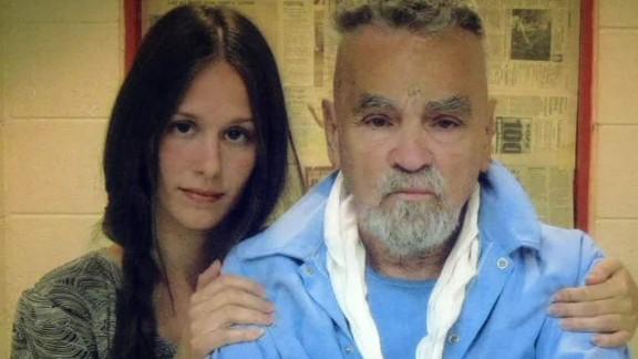 women in love with prisoners simon dnt ac 2_00000514.jpg