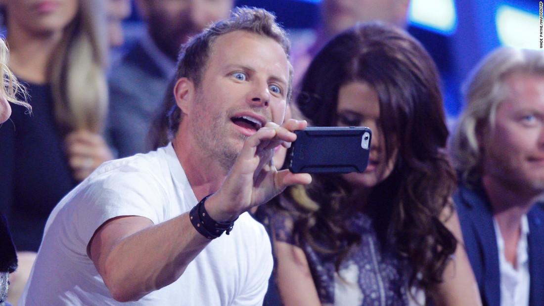 Country music star Dierks Bentley takes a selfie at the CMT Music Awards on Wednesday, June 10.