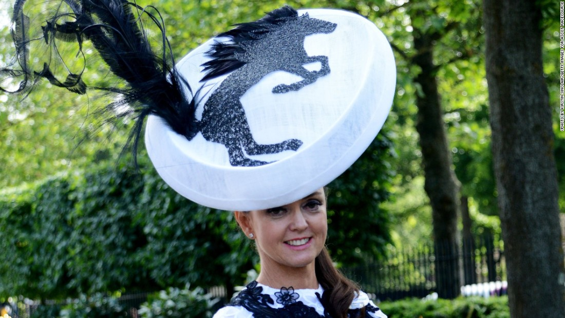 The high-quality horse racing inspired an equine hat for this racegoer.