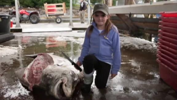 girl catches big fish_00003420.jpg