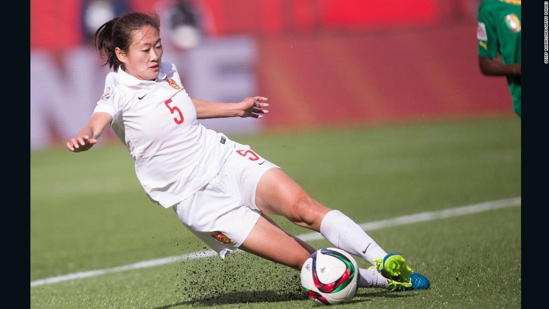 China's Wu Haiyan stops the ball.