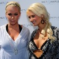 Kendra Wilkinson Holly Madison RESTRICTED