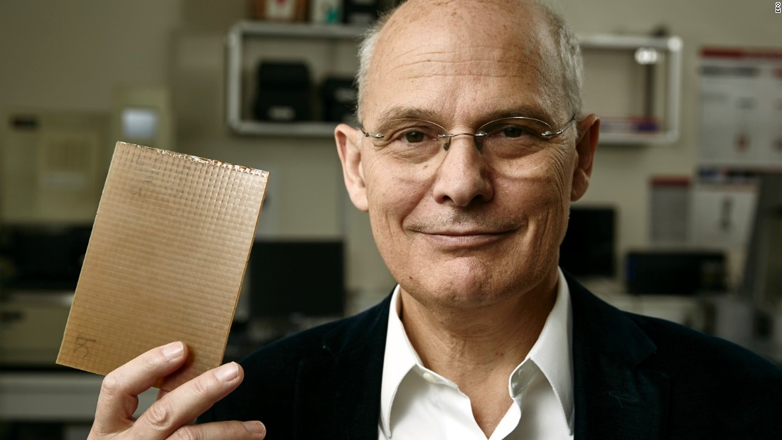 Award-winning materials scientist Dr. Ludwik Leibler has invented vitrimers - plastics that can repair themselves.