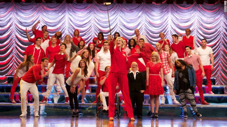 'Glee' cast will reunite to honor LGBTQ teens at the GLAAD Media Awards