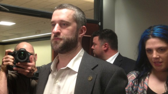 "FILE - In this May 29, 2015, file photo, television actor Dustin Diamond, center, leaves court in Port Washington, Wisc., after being convicted of two misdemeanors stemming from a barroom fight on Christmas Day 2014. Diamond, who played Screech on the 1990s TV show ""Saved by the Bell,"" apologized Thursday, June 25, 2015 for his part in a barroom stabbing before being sentenced to serve 4 months in jail. (AP Photo/Dana Ferguson/AP/File, File)"