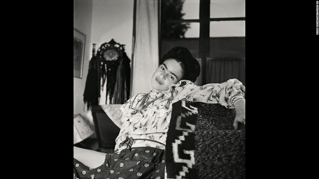 A casual moment with the artist in her home. Kahlo was 44 years old in this photograph. Freund became a great admirer of Kahlo and her husband's work.