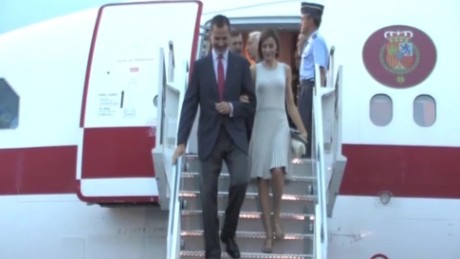 cnnee vo spain royals arrival mexico city _00002126