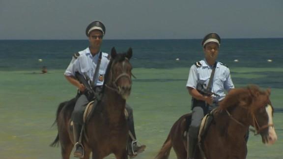 tunisia increased security pkg paton walsh wrn_00010106.jpg