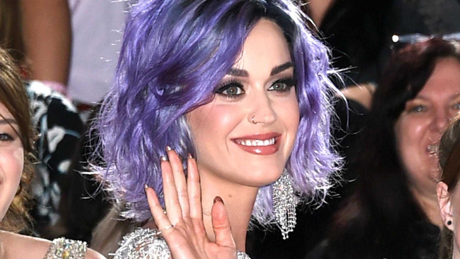 som är Katy Perry dating nu 2016