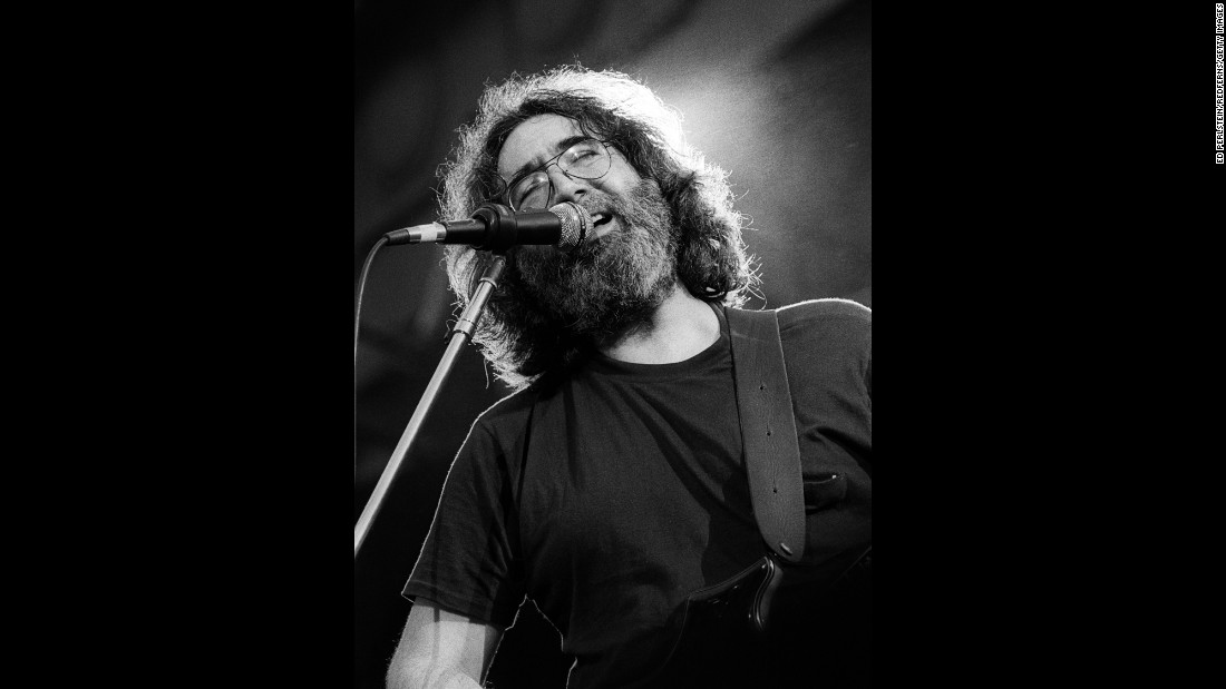 Garcia sings in Berkeley, California, in 1981.
