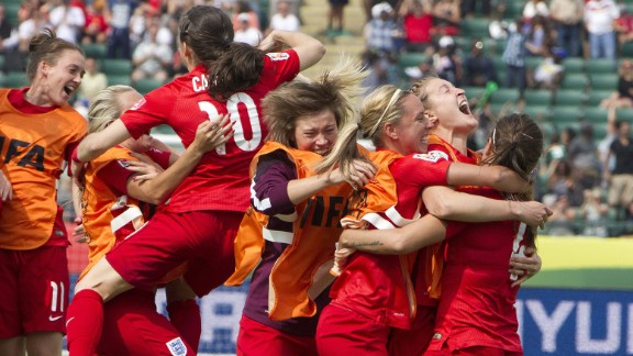 England celebrates a penalty kick goal against Germany during extra time at the Women