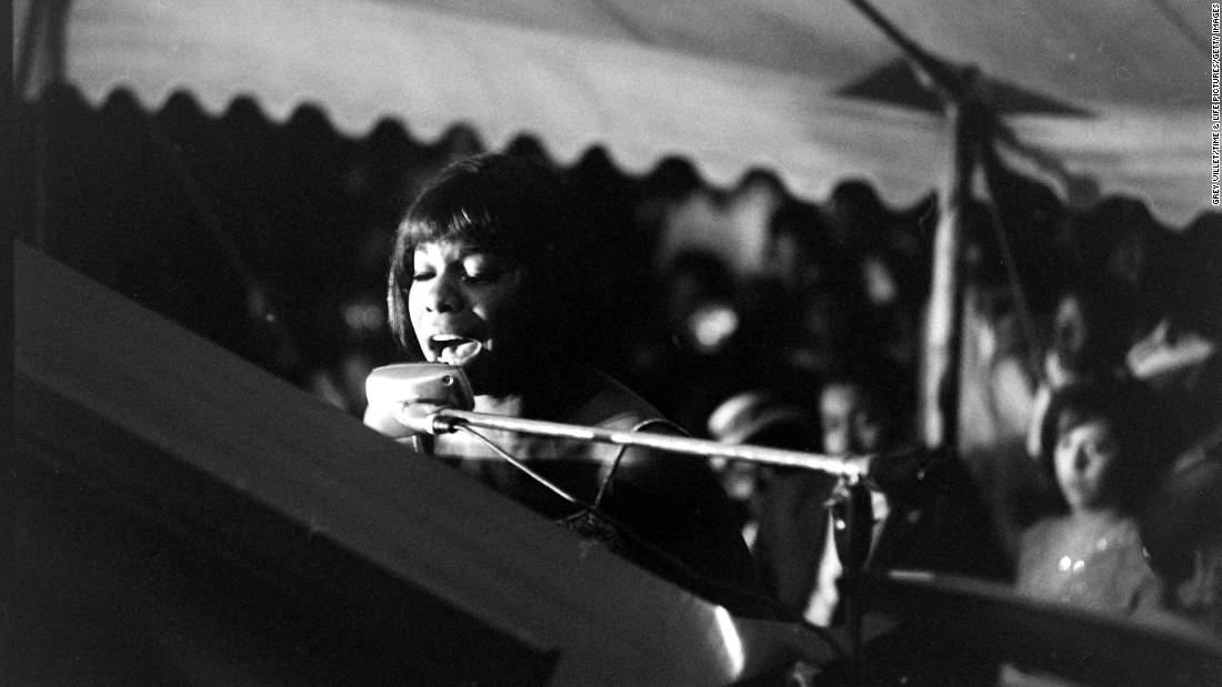 Simone performs at the Salute to Freedom benefit concert in Birmingham, Alabama, on August 5, 1963.
