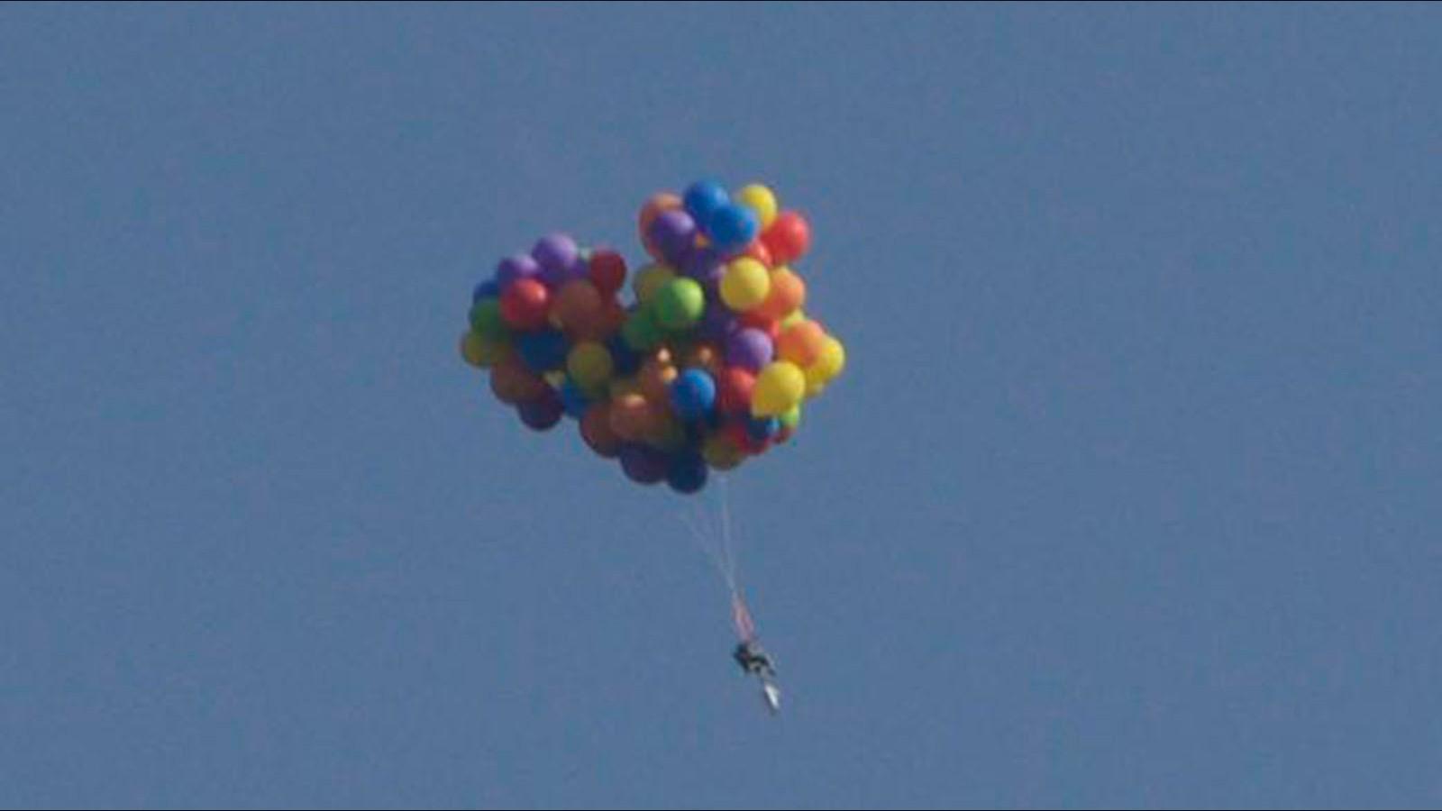 u0026 39 balloon man u0026 39  soars in lawn chair  lands in jail
