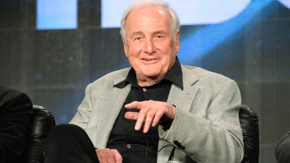 "Jerry Weintraub, the high-powered Hollywood mogul whose career included promoting Elvis Presley concerts, producing the ""Ocean"