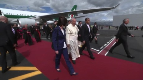 cnnee pkg vega pope francis followers from new york_00001212