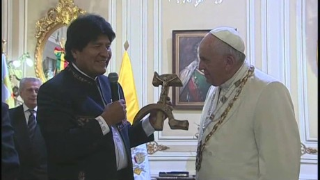 cnnee vo pope francis the gift of evo morales _00000620.jpg