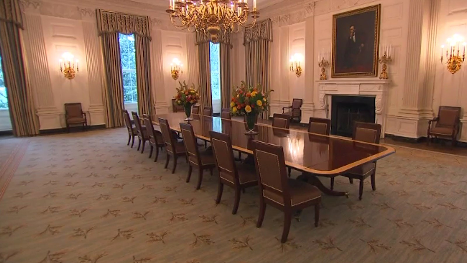 White house unveils redecorated state dining room cnnpolitics dzzzfo