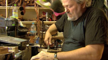 greece sandal maker poet small business ques pkg_00021201