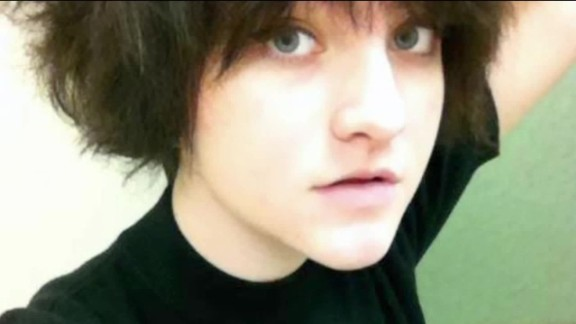 teen survives plane crash dnt_00000602.jpg