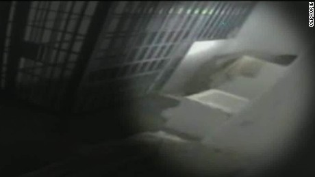 joaquin el chapo guzman escape surveillance video ctn_00001429