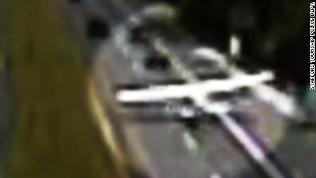 plane lands on highway video orig pkg_00000113