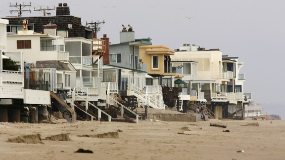Simple beach houses and glassy mega-mansions sit cheek by jowl along Billionaire's Beach. The structures -- along with other measures taken by homeowners -- have made it extremely difficult for the public to reach one of the world's most famous stretches of sand.