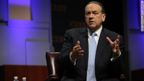 Huckabee invokes Holocaust when talking Iran deal