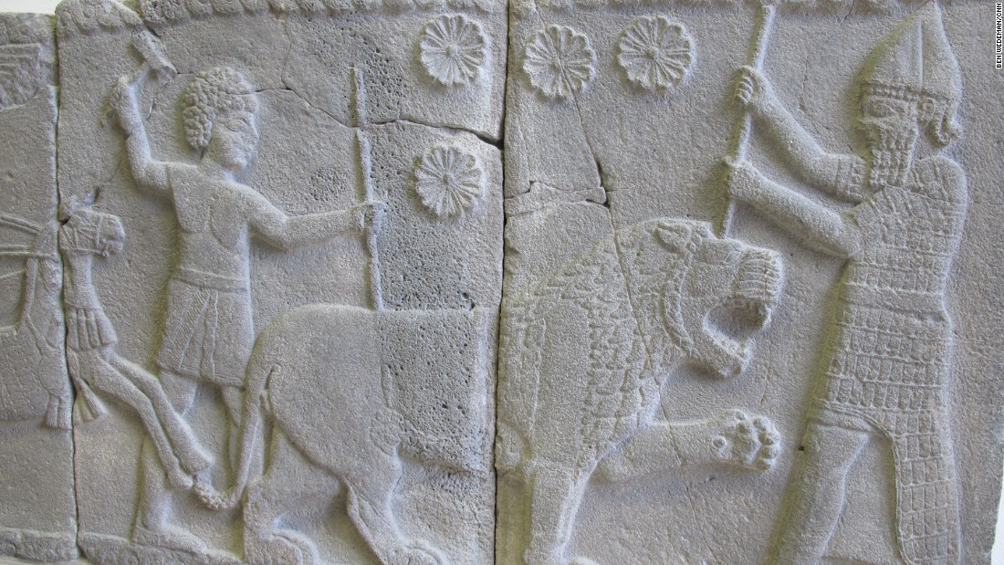 A relief of a lion hunt from Tell Halaf is on display in the Pergamon Museum collection. Tell Halaf is located in what is now northeastern Syria. The remains of an ancient palace were discovered there in 1899. The area is now under Kurdish control. Many statues from Tell Halaf were destroyed during the British bombing of Berlin in World War II.