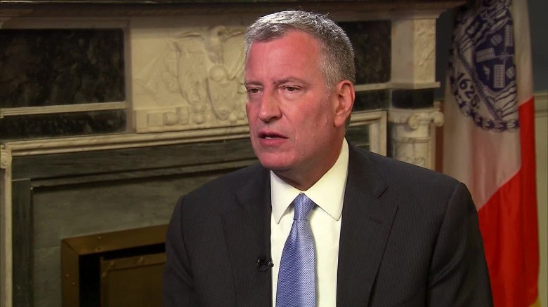 New York Mayor de Blasio on Trump as a presidential candidate _00003929