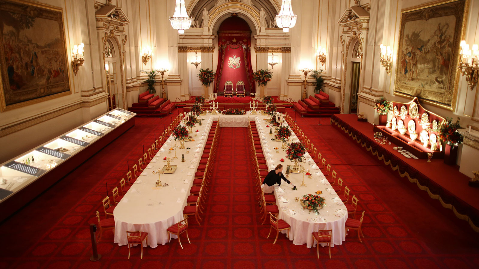 Merveilleux Buckingham Palace Tour: Your Own VIP Look At The Royals   CNN Video